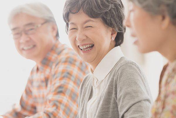 高齢者の笑顔|岩手県滝沢市の通所介護楽